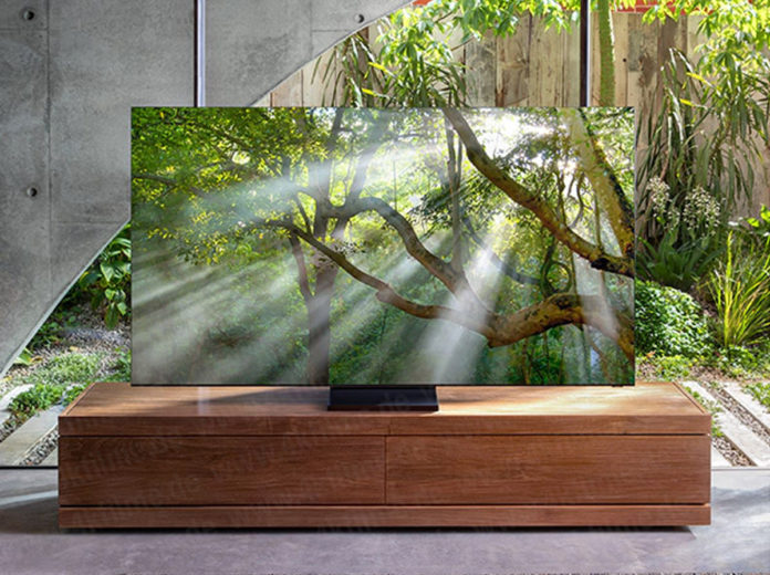 Samsung's Bezel-less 8K TV